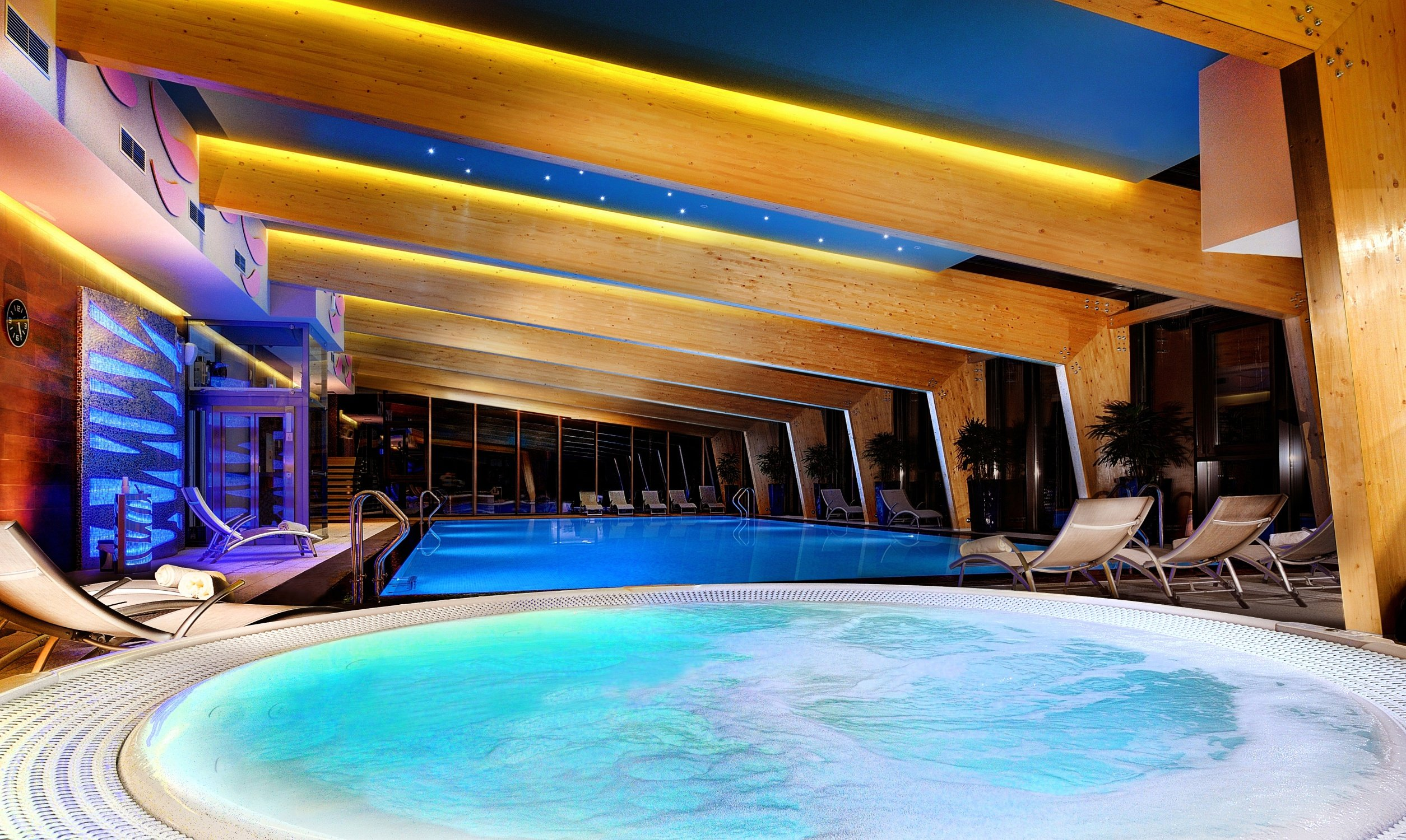 Pool and sauna world prasli ka wellness hotel chopok for Wellness hotel